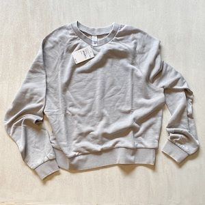ALTERNATIVE relaxed gray sweatshirt sz m